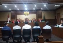 Pemilik Money Changer Raja Valuta Asing, Denny Wibowo bersaksi di sidang Setya Novanto di Pengadilan Tipikor, Jakarta Pusat, Kamis (18/1/2018). Foto: Restu Fadilah/NusantaraNews