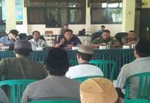 Rapat koordinasi lanjutan Penggantian Antar Waktu (PAW) Kades Guluk-Guluk Sumenep, Jawa Timur. Foto: Rosyidi
