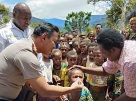 Kapolres Tolikara AKBP Mada Indra Laksanta saat bentuk Satgas Gabungan untuk Papua Sehat (Foto Istimewa/Nusantaranews.co)