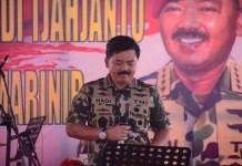 Panglima TNI Marsekal Hadi Tjahjanto dikukuhkan sebagai warga kehormatan Korps Marinir. (Foto: Istimewa/NusantaraNews)