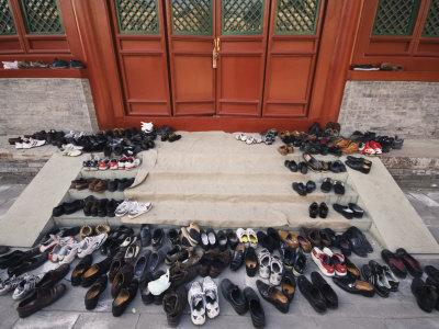 shoe in public place