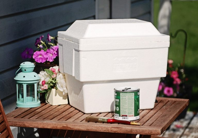 A Cooler and Supplies to create a Faux Stone Planter on Nutmeg DIsrupted