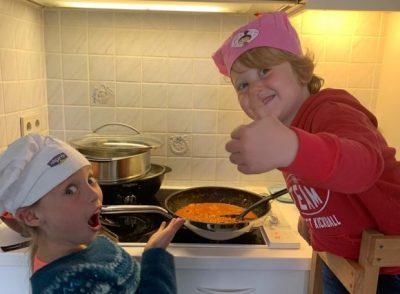 Cuisiner équilibré avec ses enfants