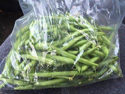 Légumes emballés dans des plastiques