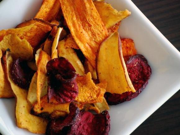 Chips de batata doce, mandioca e beterraba
