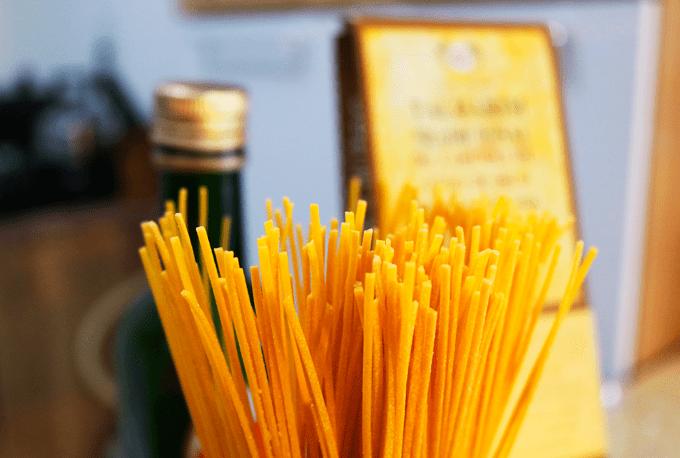 espaguete-grao-de-bico-massa