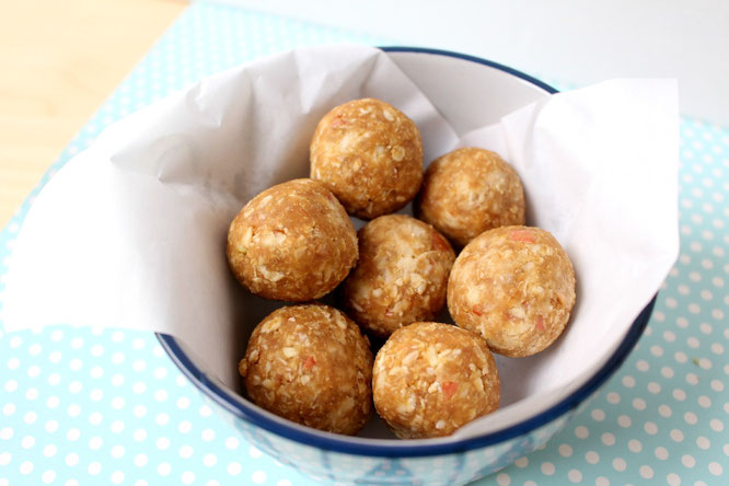 homemade-apple-peanut-butter-snack-bites-are-the-perfect-snack-to-boost-your-energy-by-homemade-nutrition-www-homemadenutrition-com