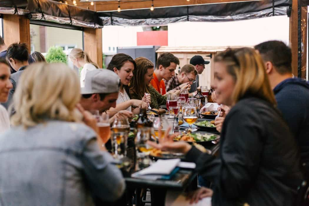 How To Stick To A Keto Diet When Dining Out Or Travelling