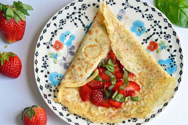 Whole wheat crepes with strawberries and basil