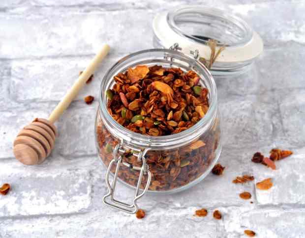 Pumpkin Granola Recipe. Vegan & Gluten-free