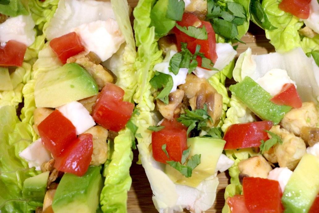 green tacos au poulet avocat et légumes