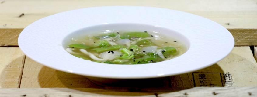 soupe de nouilles udon à la citronnelle
