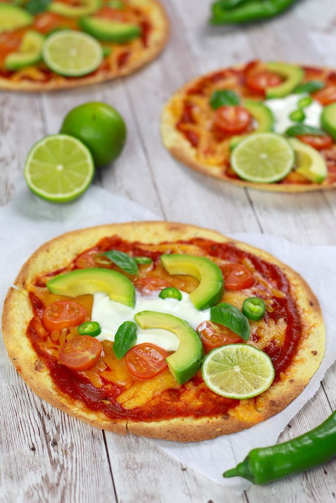 pizza légère cheddar avocat tomate