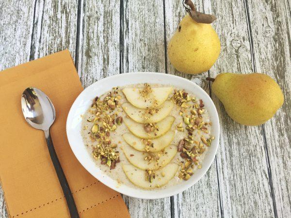 Pear Pistachio Smoothie Bowl