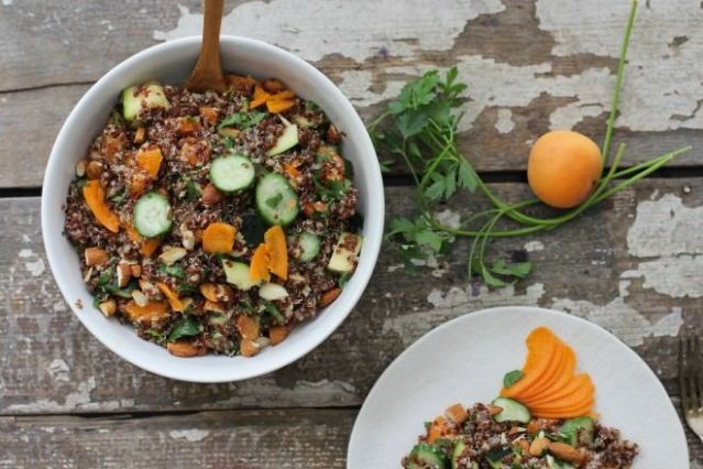 Apricot Quinoa Summer Salad | nutritionstripped.com