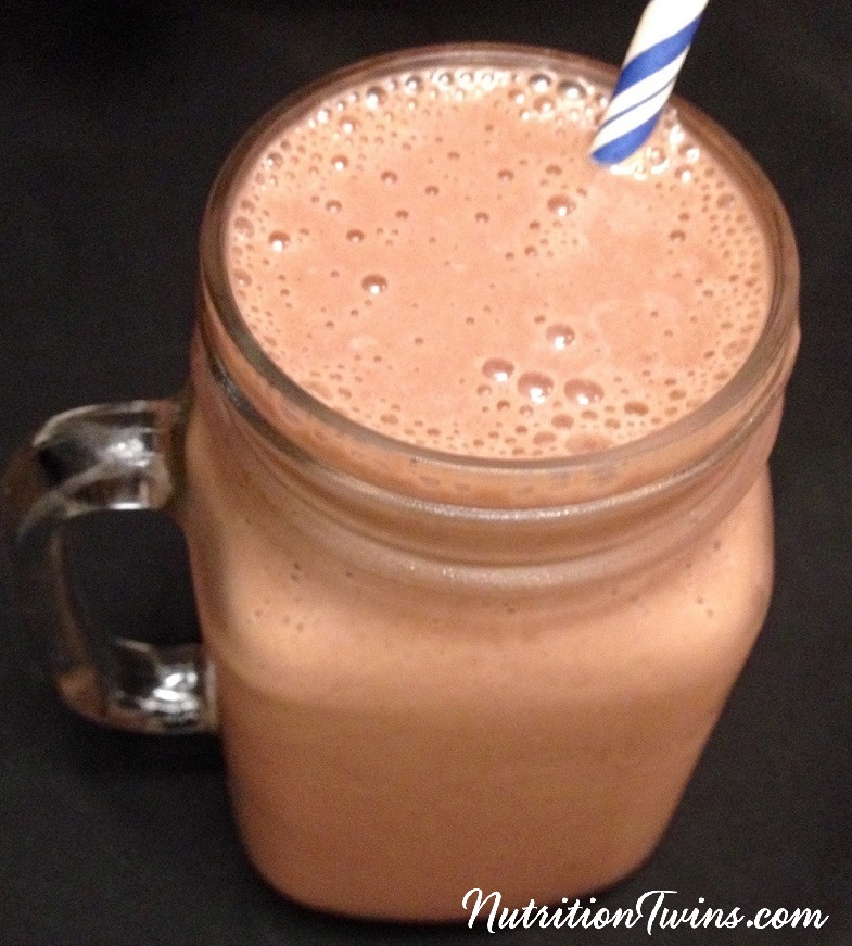 CocoaVia_Banana_Cinnamon_smoothie1_CLOSE - Copy