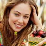Which Foods are Associated with Healthy Aging in Women?