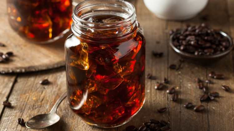 Cold Brew Coffee vs Hot Brew: Which is Healthier?