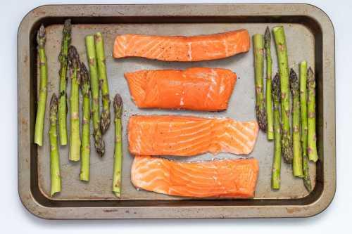 sheet pan meal - salmon and asparagus