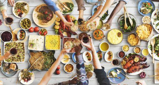 sobrevivir a las comidas sociales