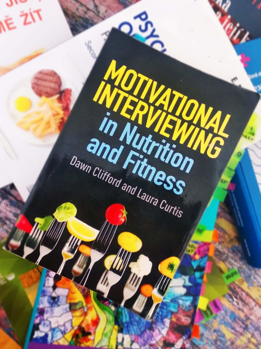 Motivational Interviewing in Nutrition and Fitness (Dawn Clifford and Laura Curtis, 2015)