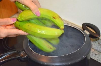 Banane in pentola