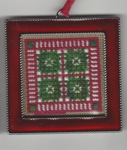 Christmas quilt-inspired twinchy needlepoint