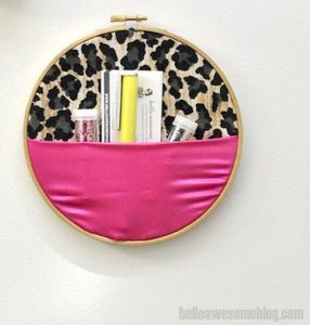 embroidery hoop wall hanger