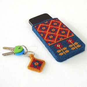 plastic canvas cell phone case
