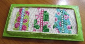 Two Sisters shifts canvas needlepoint in Planet Earth long credit card case