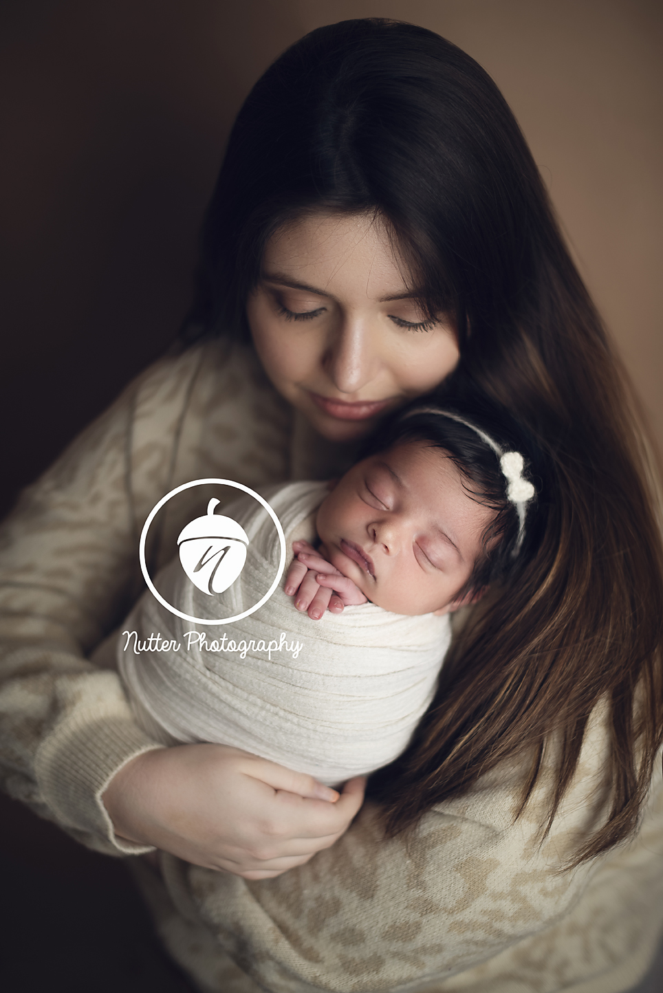 baby girl with Mom