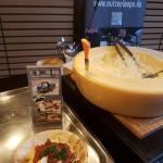 Tagliatelle-Pasta-im-Parmesanleib
