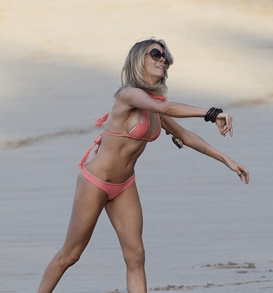 Leann Rimes in Hawaii 2