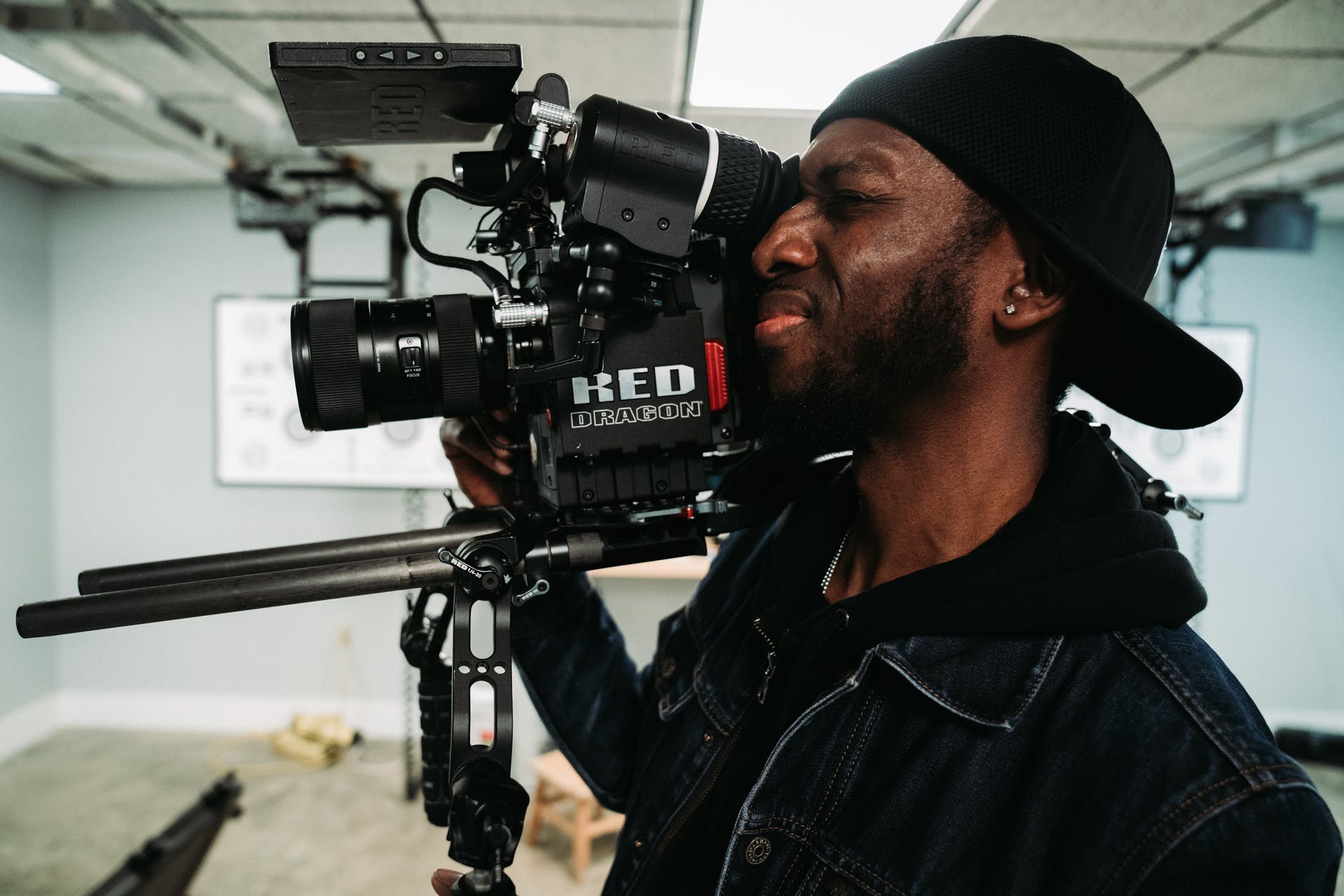 10 Tips bagi Jurnalis Video: Handal Membidik Berita