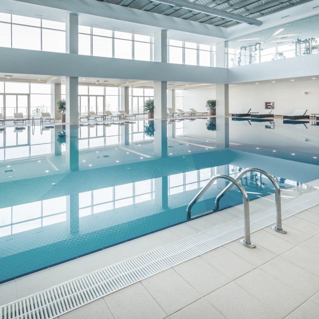 Nvira-piscine-interieure