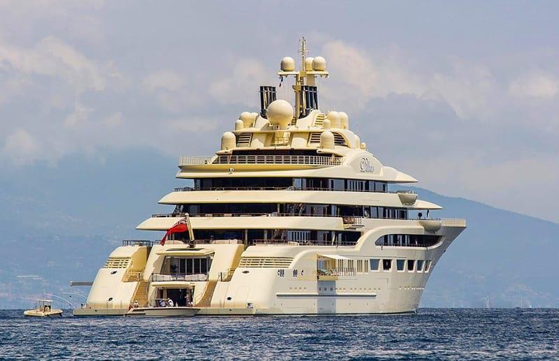 Алишер Усманов владеет самой вместительной яхтой в мире Dilbar