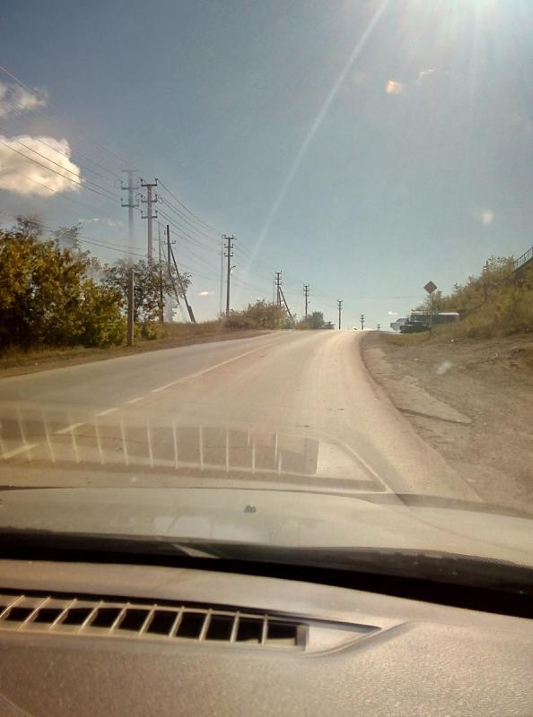 Впереди опасный участок дороги по улице А. Гайдара в районе поворота на виадук