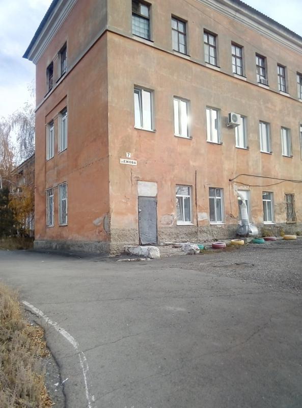Здание больницы в Медногорске