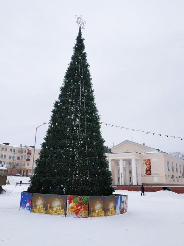 Зимняя елочка в Медногорске