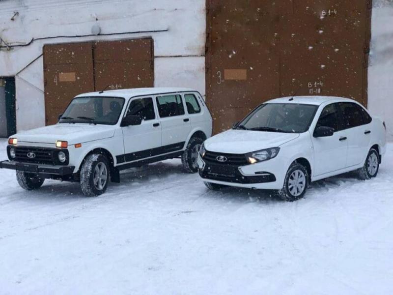 Медногорская больница получила два новых автомобиля