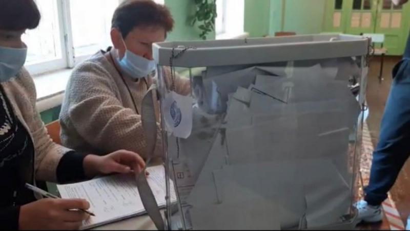 Избирательный участок в бывшей школе № 12 на Н. Сортировке г. Медногорска