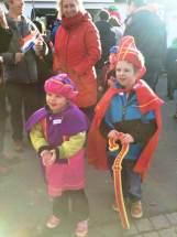 Blije kinderen tijdens Sinterklaasintocht