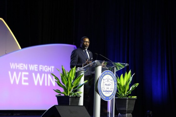 Ten 2020 presidential candidates, including Republican Bill Weld, spoke at the NAACP Annual Convention in Detroit.