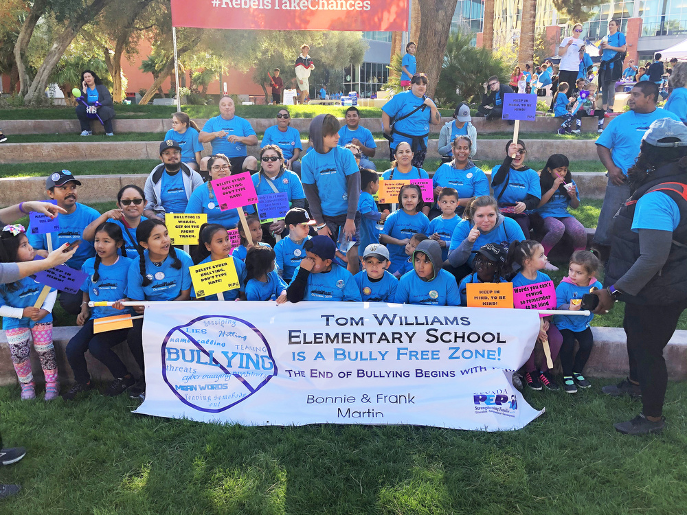 Tom Williams Elementary School in a group photo during the Run Walk Roll event