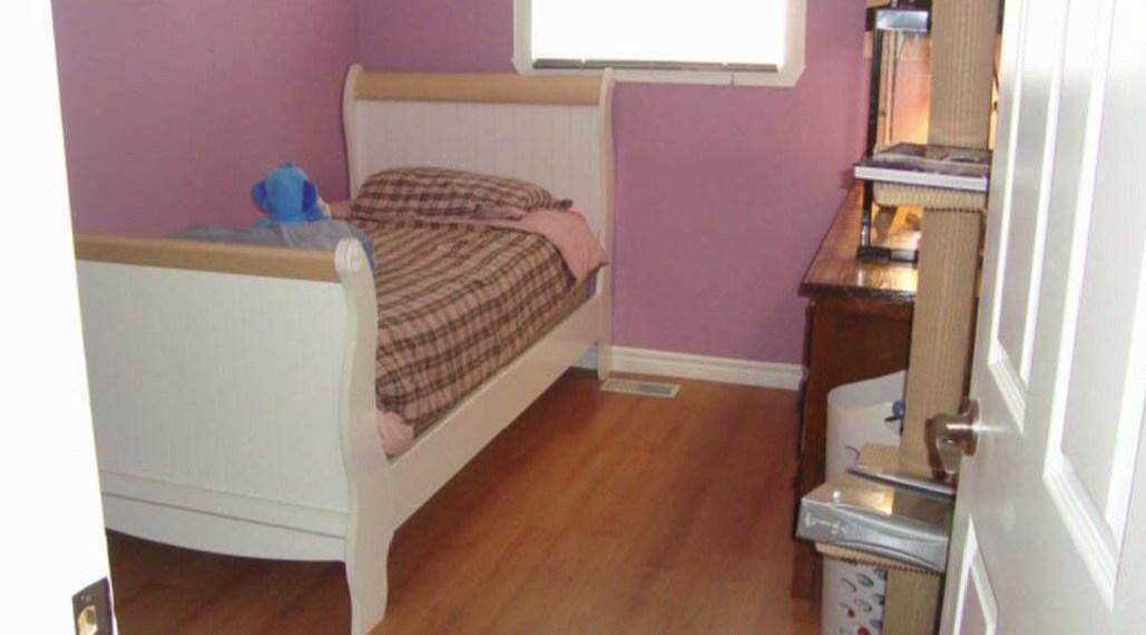 345_bedroom2