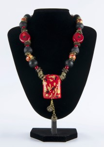 Necklace Red Black with golden balls