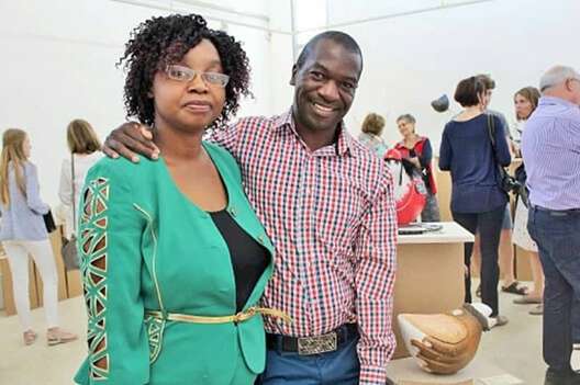 Bob Mnisi and wife 528x351pix