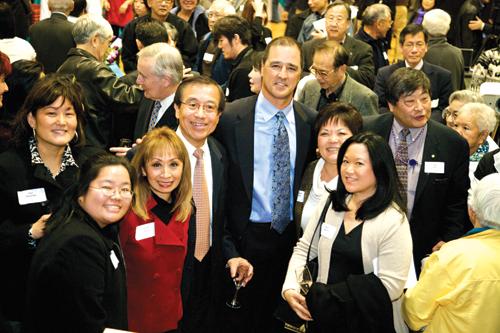 EDI board members with Mariners Manager Don Wakamatsu, from left: Mari Watanabe, Marci Nakano, Vanna Novak, Ted Yamamura, Wakamatsu, Charlene Grinolds, and Colleen Yamaguchi (Photo provided by EDI)