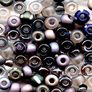 https://i2.wp.com/nwasianweekly.com/wp-content/uploads/2011/30_47/world_beads.jpg