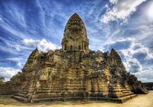 https://i2.wp.com/nwasianweekly.com/wp-content/uploads/2014/33_29/travel_cambodia.jpg?resize=500%2C352
